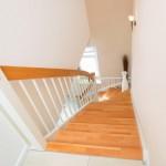 Hier zeigen wir Ihnen eine Holztreppe, die wir in Leer (Kreis Leer, Ostfriesland) für einen Kunden erstellt haben.