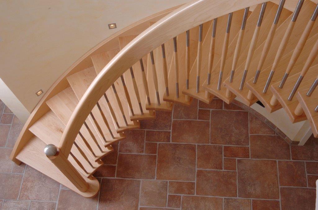 Hier zeigen wir Ihnen eine Holztreppe, die wir in der Stadt Leer (Kreis Leer, Ostfriesland) für einen Kunden erstellt haben.