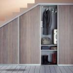Eine Garderobe unter einer Treppe - unsere Möbeltischler finden immer eine Lösung - auch für Ihren Flur.