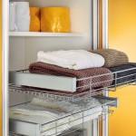 Platz im Kleiderschrank oder im Wäscheschrank - unsere Möbeltischler erarbeiten gerne auch Ihre Lösungen.