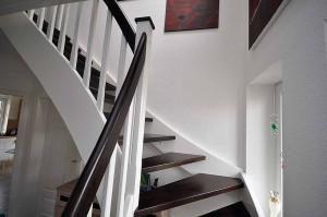 Einzigartig - eine Treppe aus Holz. Wir bauen Treppen in Leer (Ostfriesland), Emden, Aurich, Wittmund, Papenburg (Emsland), Meppen, Lingen und Cloppenburg.