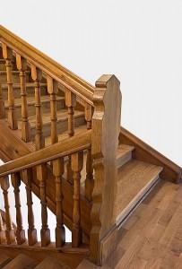 Wenn wir eine Treppe renovieren, dann sieht sie aus wie eine neue Treppe.