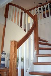 Treppen-Preise pauschal zu nennen, ist kaum möglich. Denn Treppen sind sehr individuell. Nehmen Sie einfach Kontakt zu uns auf. Wir erstellen Ihnen unverbindlich ein Angebot.